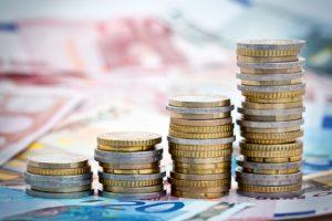 Ratenkredit ohne Schufa? zins-zinseszins.de erklärt, wie man einen Kredit ohne Schufa-Prüfung erhält.